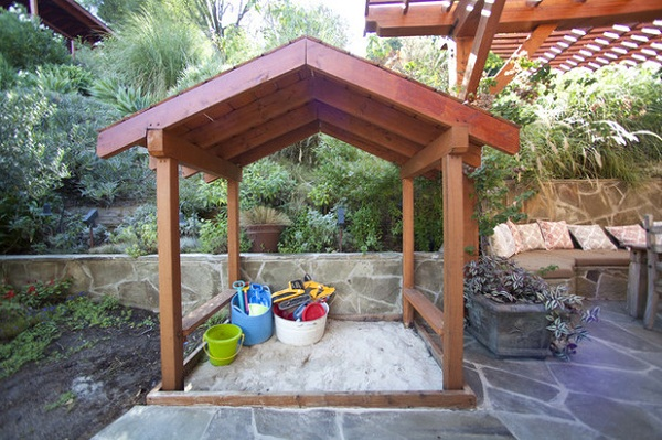 How to Create a Family-Friendly Outdoor Space for Your Home